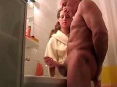 Granddaughter aid her grand father cum shoot