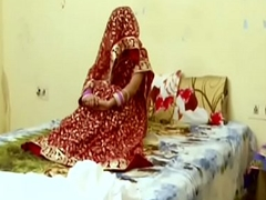 desimasala.co - Indian faggot girls business on bed